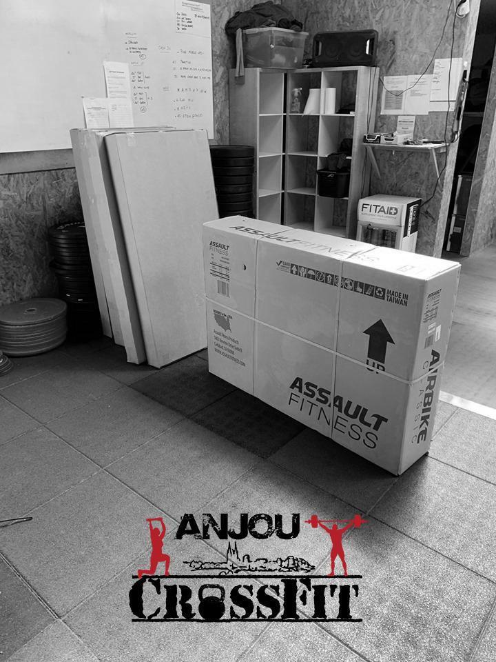 anjou crossfit-angers-49-materiel-box-affiliees-ponts-de-cé-avrille-equipement-assault-bike